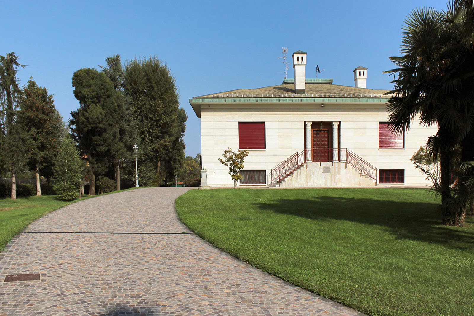 14 - Pavé in villa d'epoca, abitare pavimenti, classica, senza pensieri, porfido misto, abitazioni, pavé