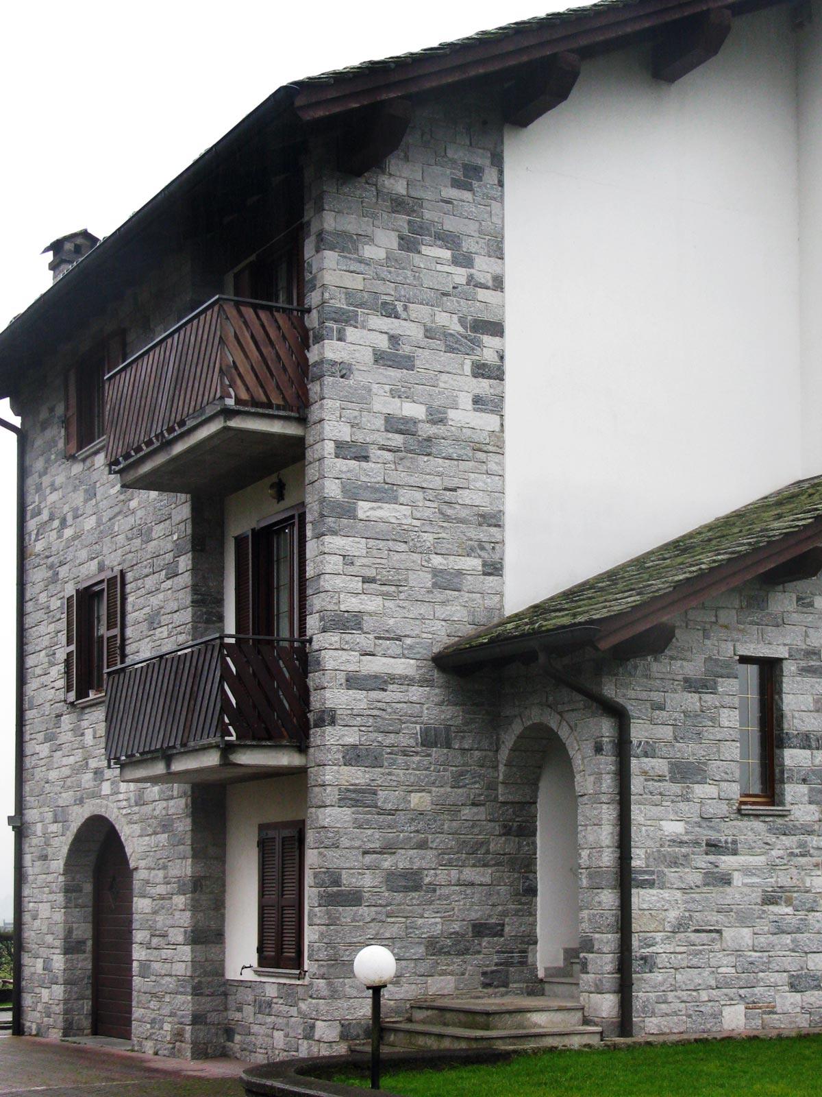 05 - Rigore alpino, abitare rivestimenti, , baita di valle, abitazioni, rivestimenti a massello