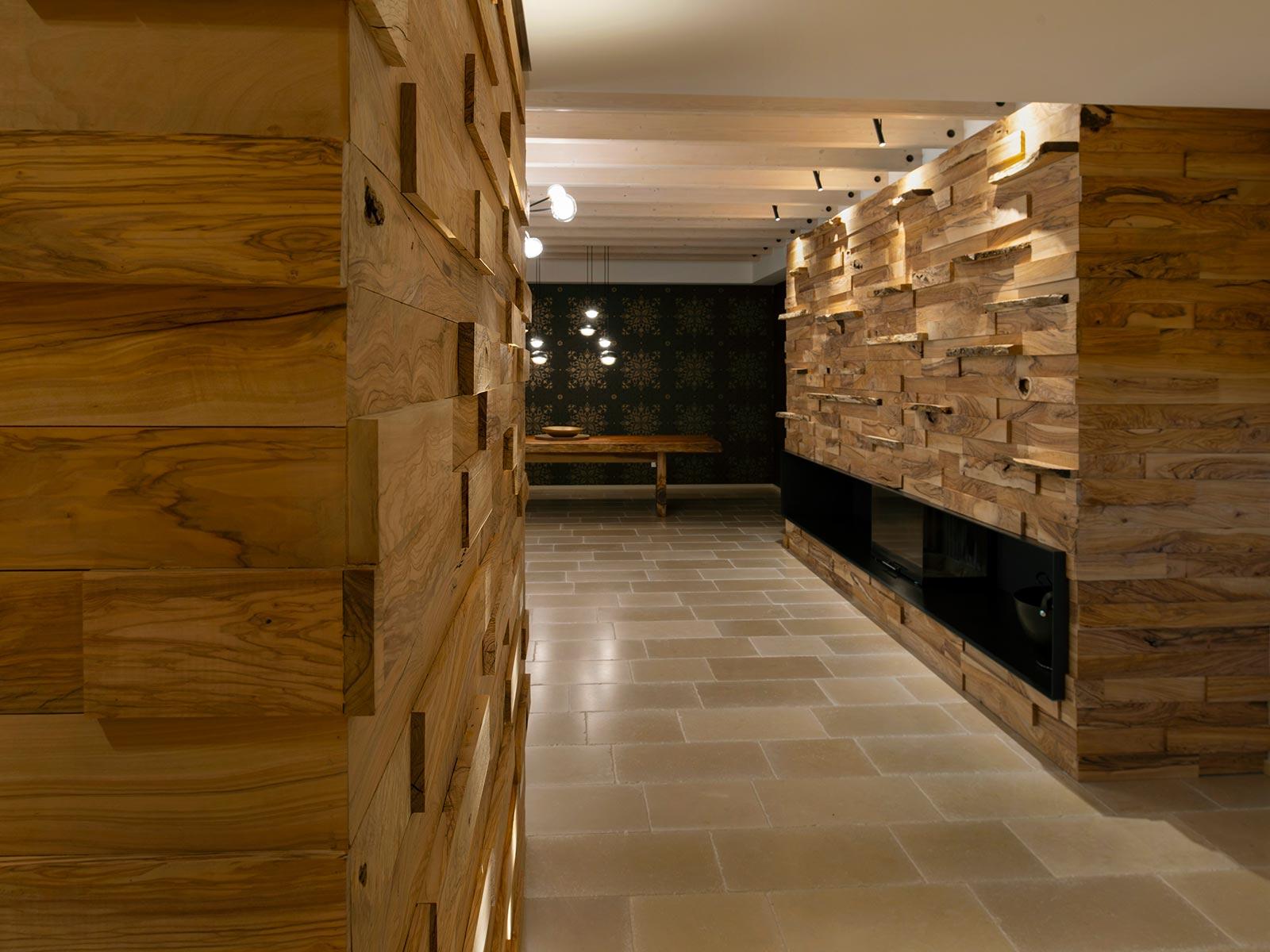 32 - Legno d'ulivo e pietra anticata, abitare pavimenti, continuum, classica, accanto alla pietra, il legno massello, modulatio olivum, pietra di trani, abitazioni, lastricato, tutti i rivestimenti